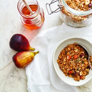Caramelised Honey Granola
