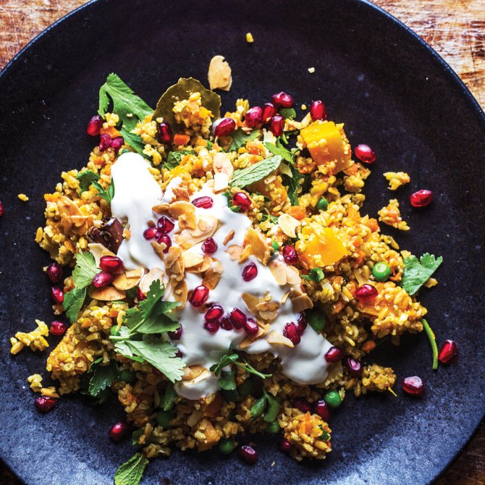 Spiced Freekeh with Yoghurt Sauce