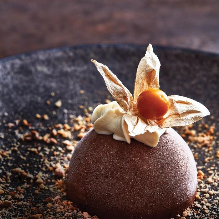 Chocolate Burnt-Almond Ice Cream (Le Kilimanjaro—Glace au Chocolat Praline)