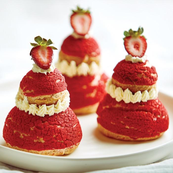 Strawberry Religieuse