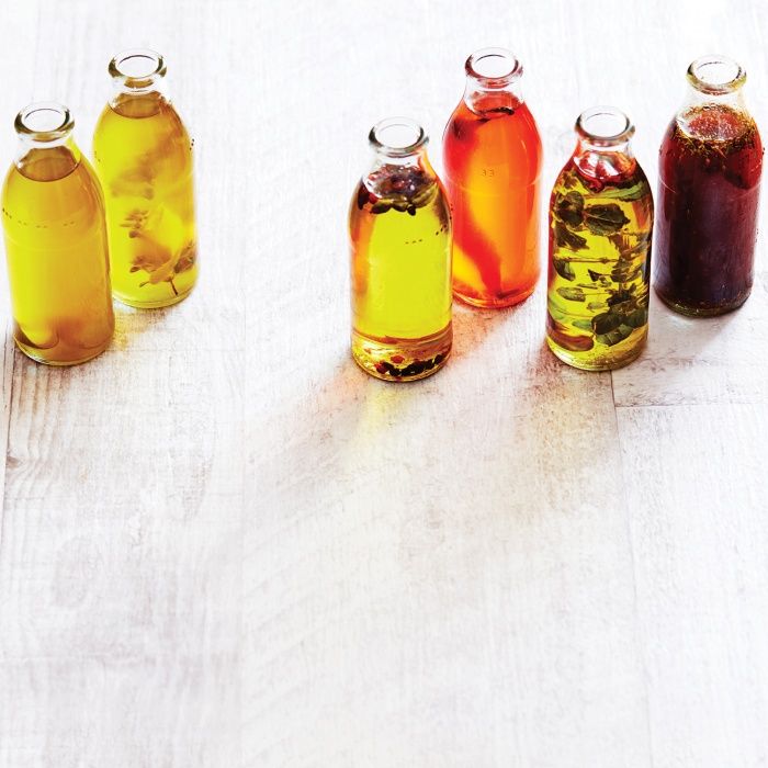 Bird's eye chilli & oregano oil