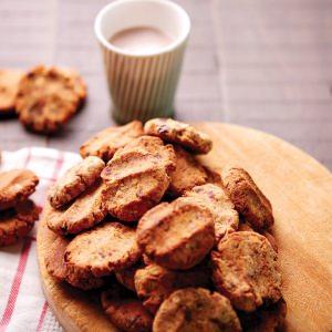 Almond Pulp, Oat & Date Cookies